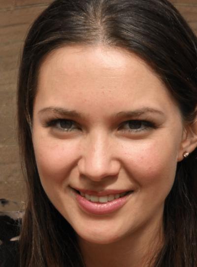 Nina Moss